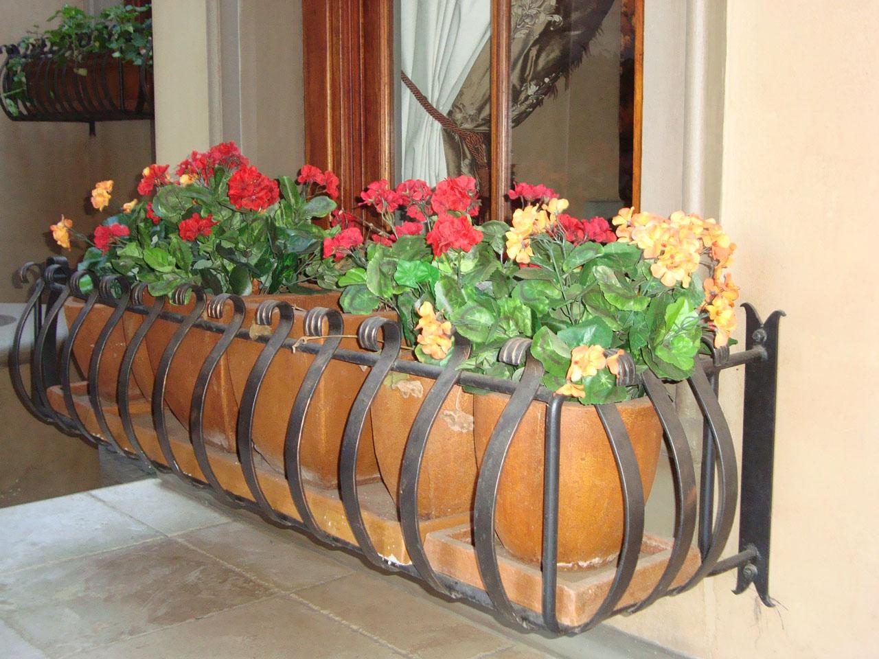 metal plant box